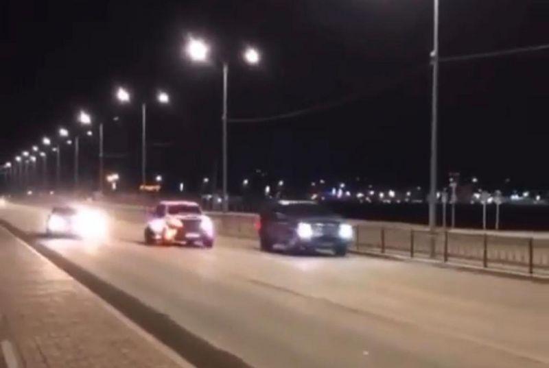 В Атырау наказали водителей, устроивших гонки на городских дорогах В Атырау наказали водителей, устроивших гонки на городских дорогах