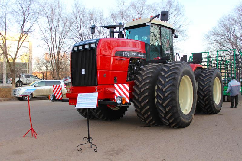 Универсальный трактор RSM 2375  по доступной стоимости предлагает компания «Орал Агро» Универсальный трактор RSM 2375 по доступной стоимости предлагает компания «Орал Агро»