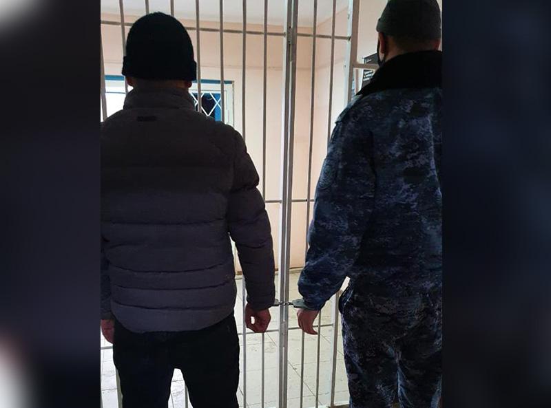 Сотрудника ДУИС по Атырауской области пытались подкупить куском осетра: мужчину осудили за дачу взятки Сотрудника ДУИС по Атырауской области пытались подкупить куском осетра: мужчину осудили за дачу взятки