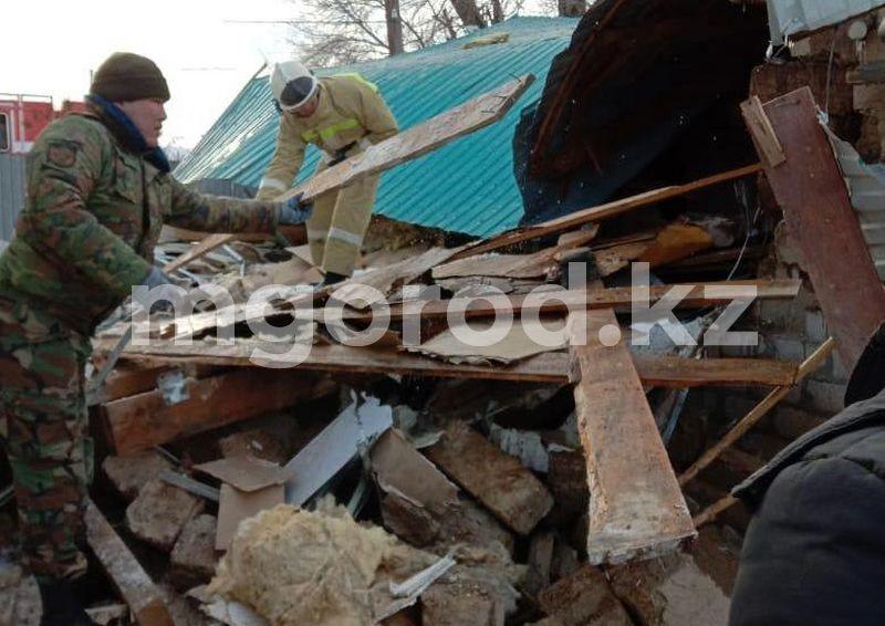 Два человека пострадали при взрыве газового баллона в Актюбинской области Два человека пострадали при взрыве газового баллона в Актюбинской области