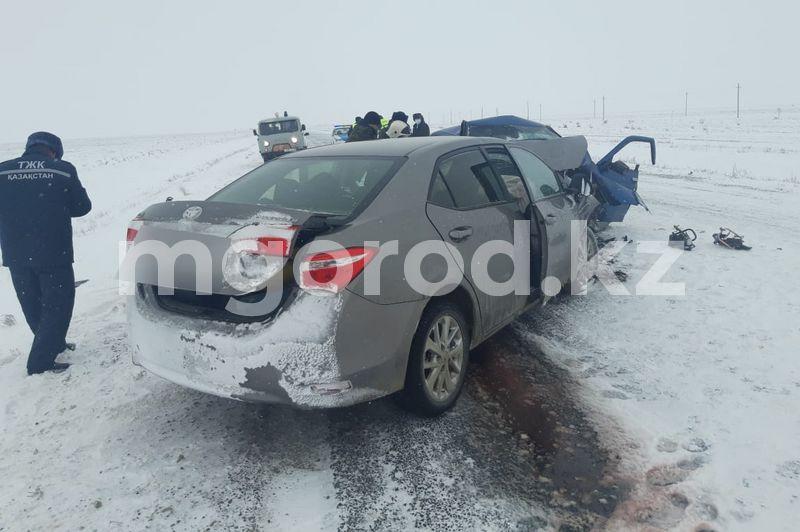 Шесть человек погибли в страшной аварии на автодороге Уральск-Атырау (фото) Шесть человек погибли в страшной аварии на автодороге Уральск-Атырау (фото)