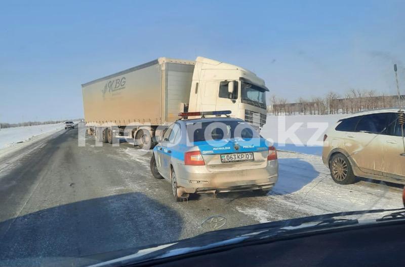 Еще одно ДТП произошло на трассе Уральск-Атырау (фото) Еще одно ДТП произошло на трассе Уральске-Атырау (фото)