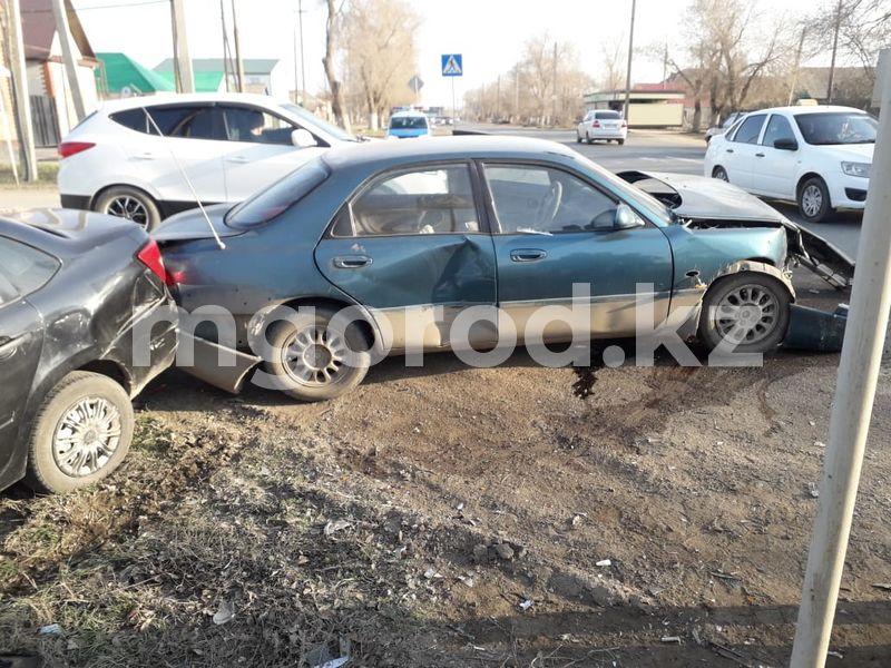 Двое детей пострадали в аварии в Уральске Двое детей пострадали в аварии в Уральске