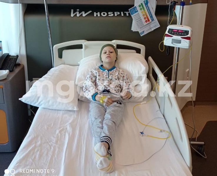 У сына есть все шансы на выздоровление: мальчику из ЗКО необходим 131 миллион тенге на лечение за границей Дорогостоящее лечение за границей требуется больному раком мальчику из ЗКО
