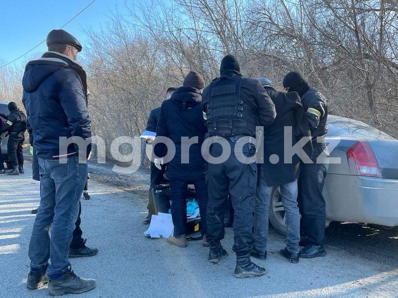 В полиции рассказали подробности задержания в Уральске Задержание с участием сотрудников УБОП прошло в Уральске (фото, видео)