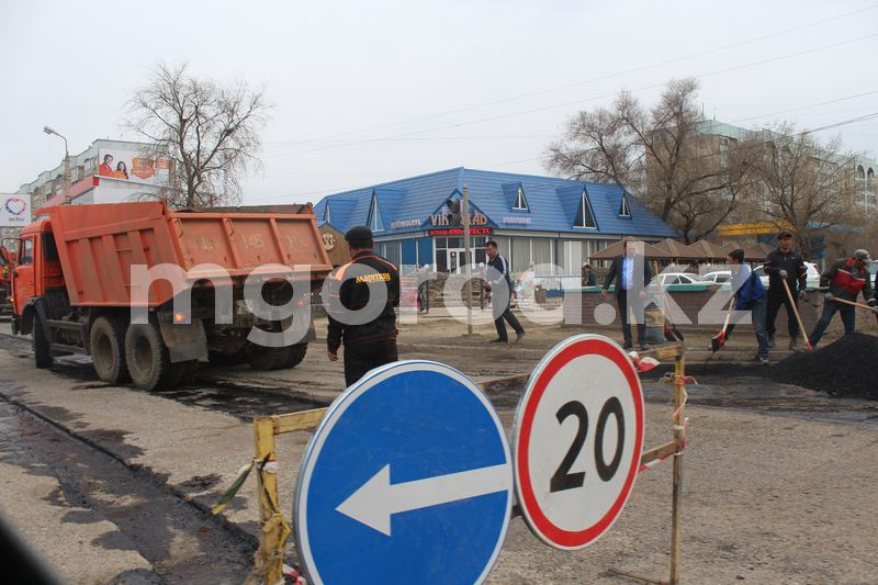 Более 200 миллионов тенге выделено на капремонт двух улиц в Аксае Более 200 миллионов тенге выделено на капремонт двух улиц в Аксае