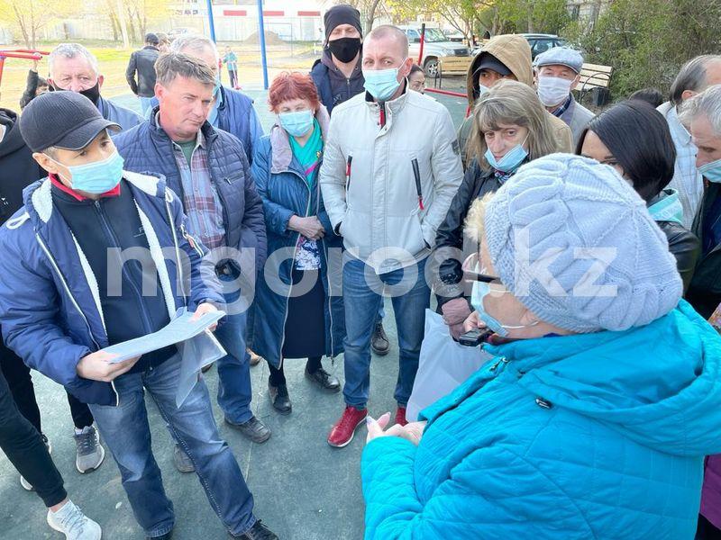Дайте нам спокойно жить - жильцы многоэтажки в Уральске выступили против строительства дома по соседству Дайте нам спокойно жить - жильцы многоэтажки в Уральске выступили против строительства дома по соседству