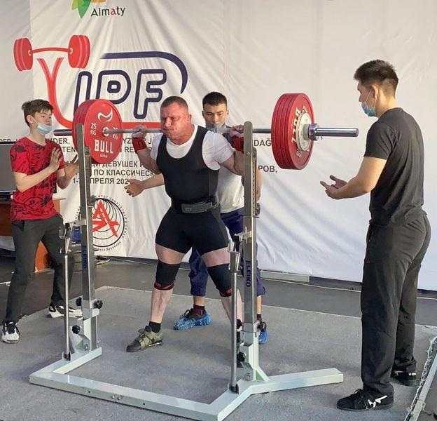Четыре золотых медали завоевала сборная ЗКО на чемпионате Казахстана по пауэрлифтингу Четыре золотых медали завоевала сборная ЗКО на чемпионате Казахстана по пауэрлифтингу