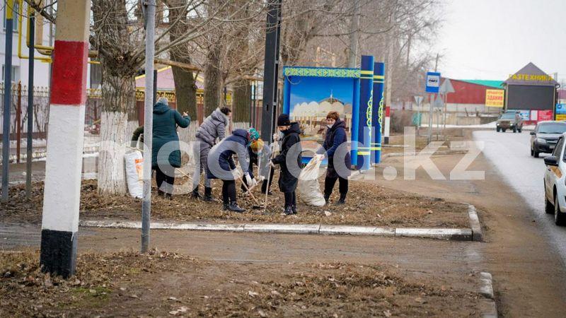 Более тысячи кубометров мусора вывезено из Уральска Более тысячи кубометров мусора вывезено из Уральска