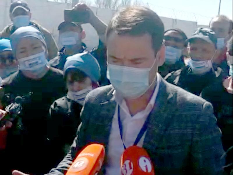 Работники скандальной свинофермы в Актюбинской области объявили голодовку Работники скандальной свинофермы в Актюбинской области объявили голодовку