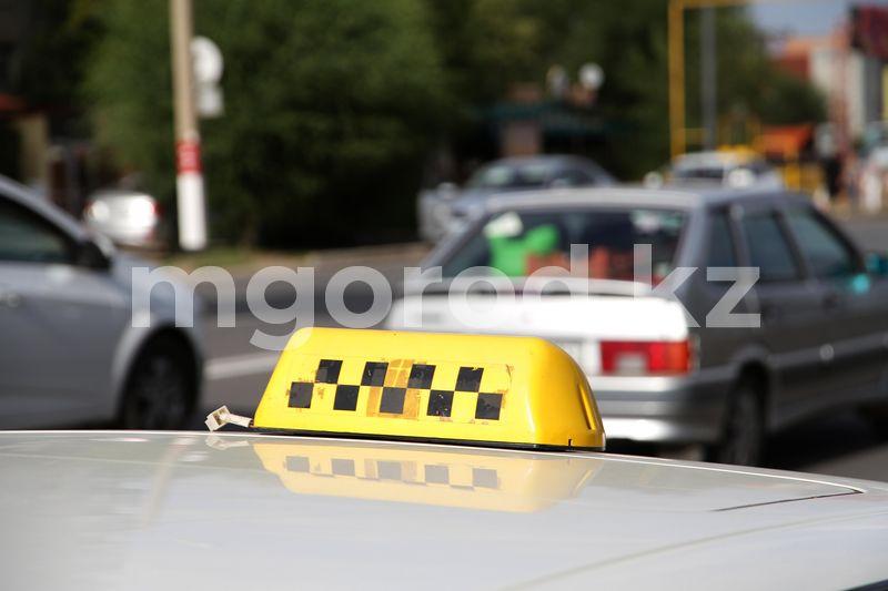 Таксист сбил школьницу и скрылся с места ДТП в Актобе Таксист сбил школьницу и скрылся с места ДТП в Актобе