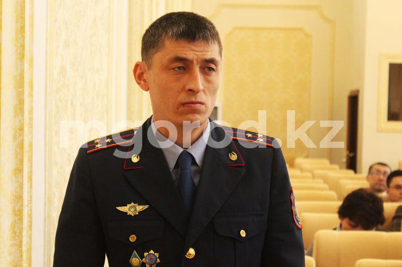 Экс-полицейский ЗКО обвинил бывшего начальника в мошенничестве и обратился к президенту Токаеву Бывший осужденный полицейский