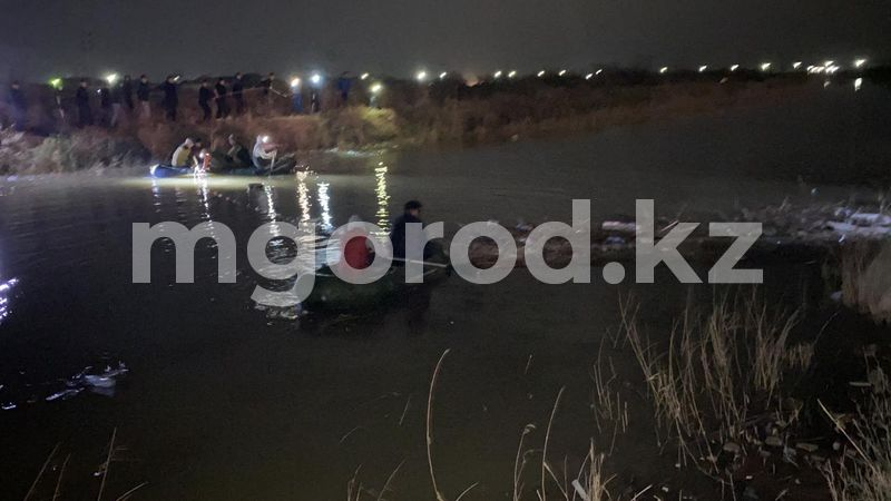 В Атырауской области нашли тело утонувшего мальчика (фото) В Атырауской области нашли тепло утонувшего мальчика (фото)