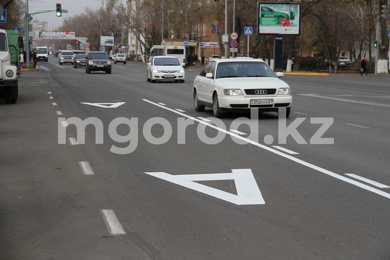На автобусные полосы хотят пустить все автомобили На автобусные полосы хотят пустить все автомобили