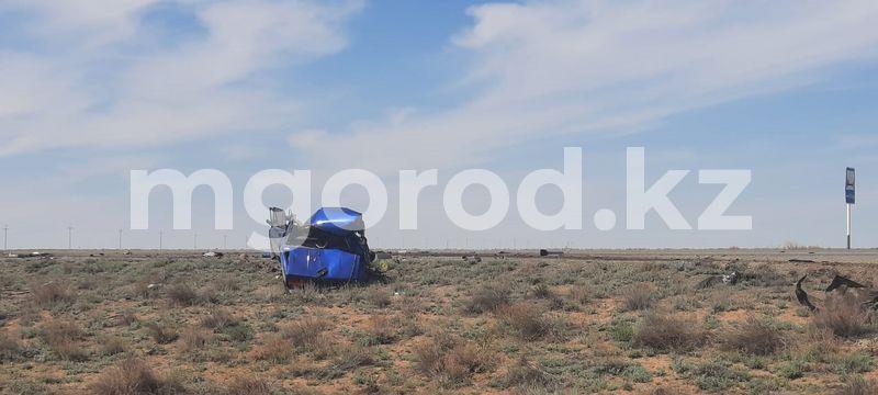 Два человека погибли в жутком ДТП в Актюбинской области (фото) Два человека погибли в жутком ДТП в Актюбинской области (фото)