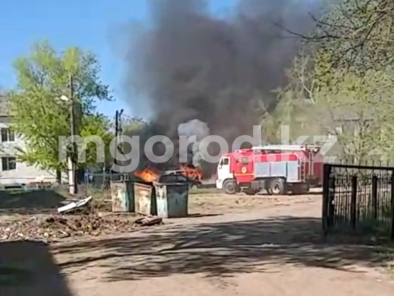 В Аксае сгорел автомобиль (видео) В Аксае сгорел автомобиль (видео)