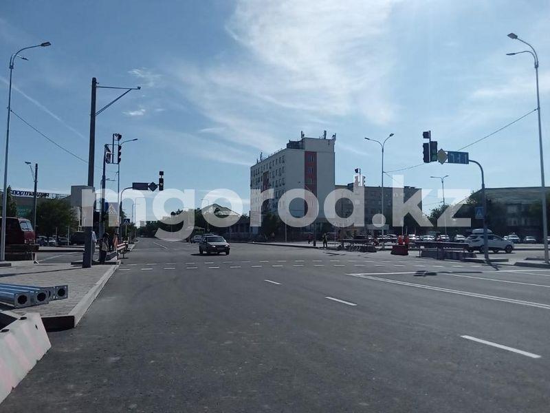 Дороги на пяти улицах отремонтируют в Атырау В Атырау открыли движение на пересечении проспектов Азаттык и Ауэзова