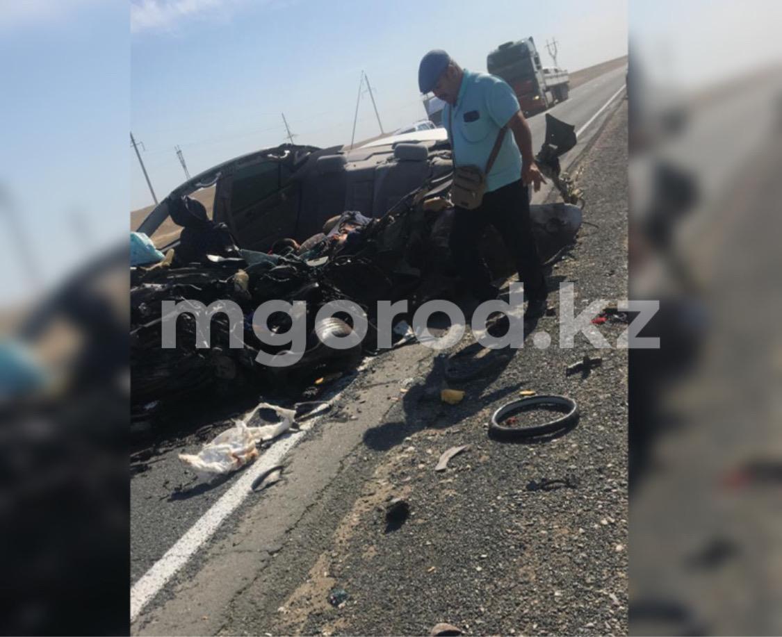 Три человека погибли при столкновении Toyota Camry с пассажирскимавтобусом в Атырауской области Три человека погибли в при столкновении Toyota Camry с пассажирскимавтобусом в Атырауской области
