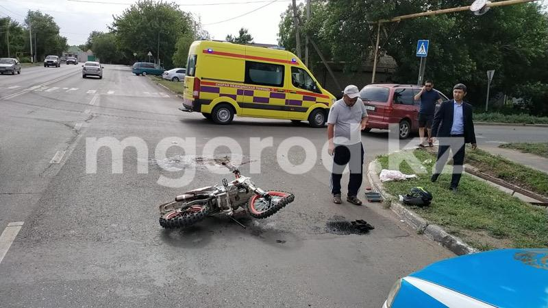 В ДТП погиб 15-летний подросток на мотоцикле (фото) В ДТП погиб 15-летний подросток на мотоцикле (фото)