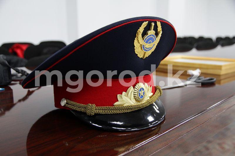 Полицейский начальник в ЗКО уволен за ДТП в пьяном виде В Уральске пьяный полицейский начальник по пути на работу попал в ДТП