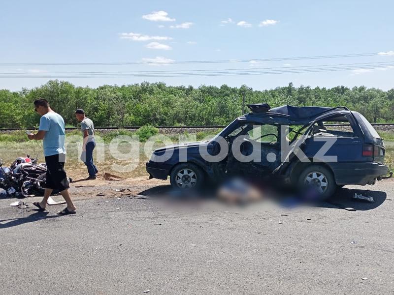 Мотоциклист и водитель иномарки погибли в жутком ДТП в Уральске (фото) Мотоциклист и водитель легковушки погибли в ДТП в Уральске (фото)