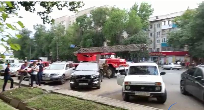 Пожар произошел еще в одном торговом доме Уральска (фото) Возгорание произошло еще в одном торговом доме Уральска (фото)