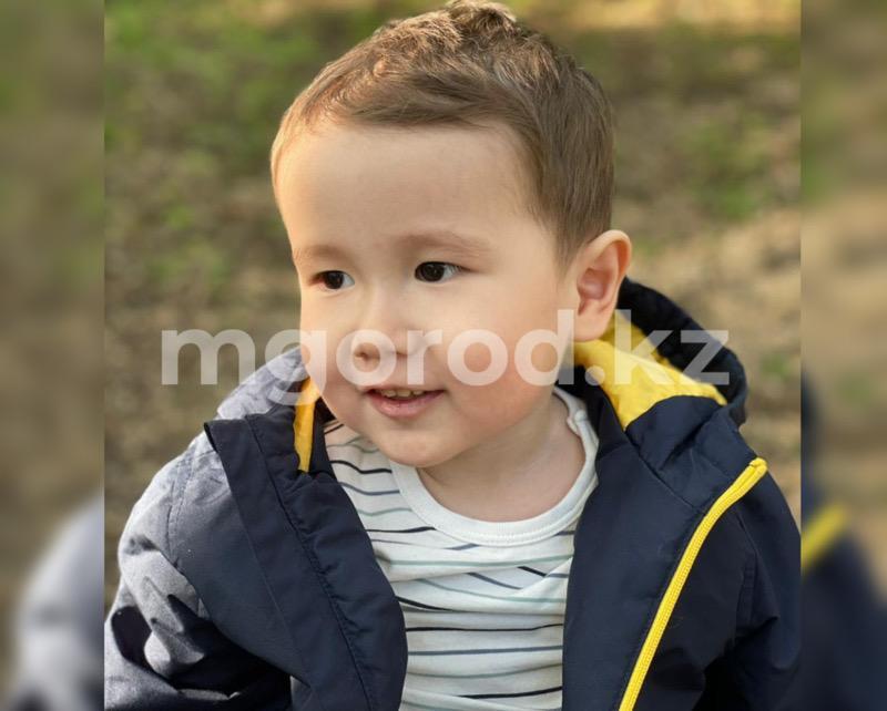 49 млн тенге перечислили родители Эмира из Аксая другим детям со СМА Как чувствует себя Эмир после получения самого дорогого укола в мире