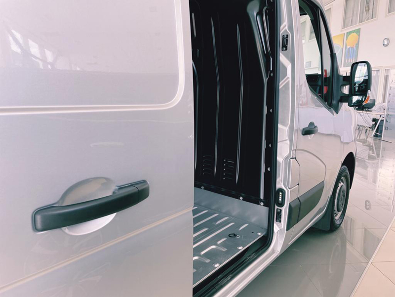 Мини-фургон Renault MASTER: солидный и надежный в деле Минифургон Renault MASTER: солидный и надежный в деле