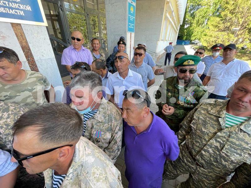 В ЗКО присвоения статусаучастников боевых действий потребовали служившие на таджикско-афганской границе и в Нагорном Карабахе (фото) Около сотни служивших на таджикско-афганской границе и в Нагорном Карабахе из ЗКО требуют присвоения статусаучастников боевых действий