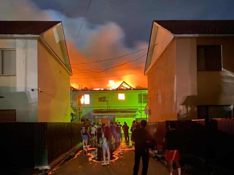 Жилой комплекс горел в Атырау Жилой комплекс горел в Атырау