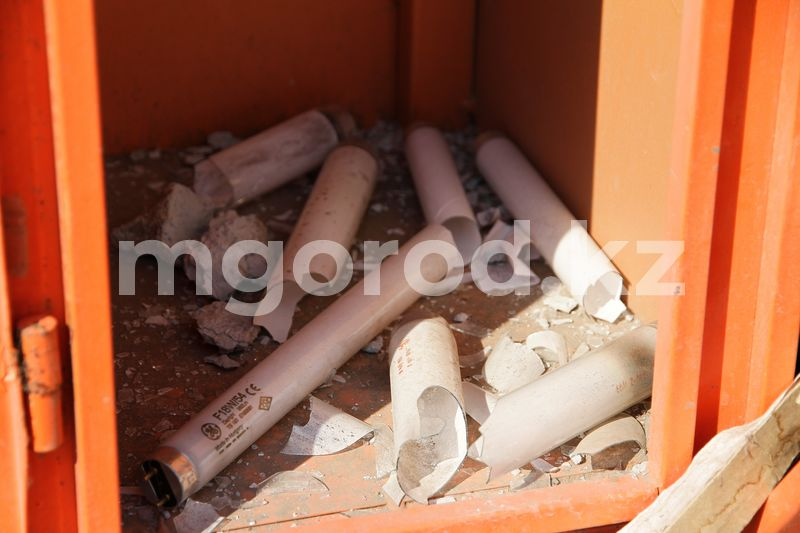В Уральске до сих пор не определили найденное ядовитое вещество, из-за которого был объявлен режим ЧС В Уральске объявлен режим ЧС