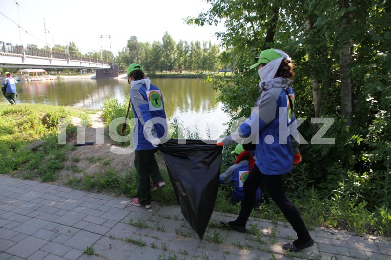 42 500 получат ученики, работающие при школах Уральска 700 учеников работают при школах в Уральске