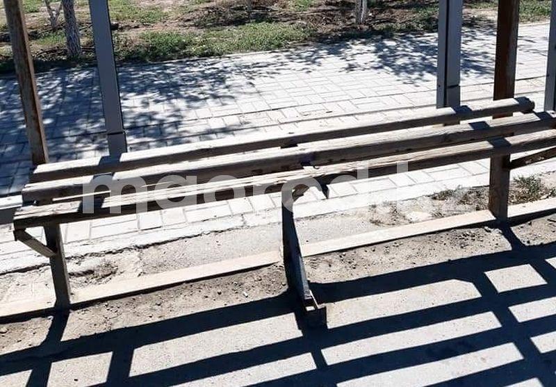 Жители Атырау возмутились состоянием остановочных павильонов Жителей Атырау возмутились состоянием остановочных павильонов