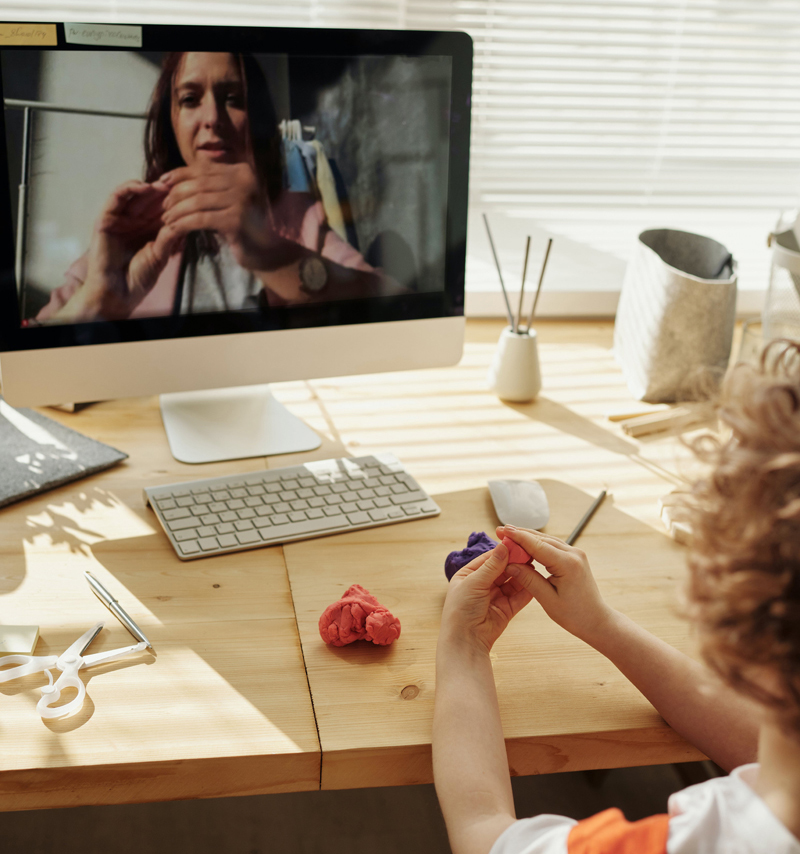 Как занятия онлайн экономят время и позволяют учиться в любой точке мира? Как занятия онлайн экономят время и позволяют учиться в любой точке мира?