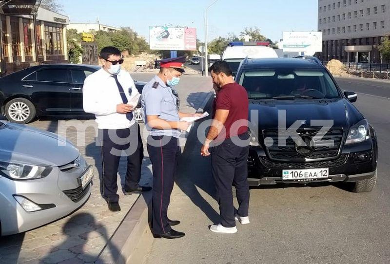 Mercedes конфисковали у жителя Актау за долги по налогам У актаусца конфисковали машину за налоговые долги