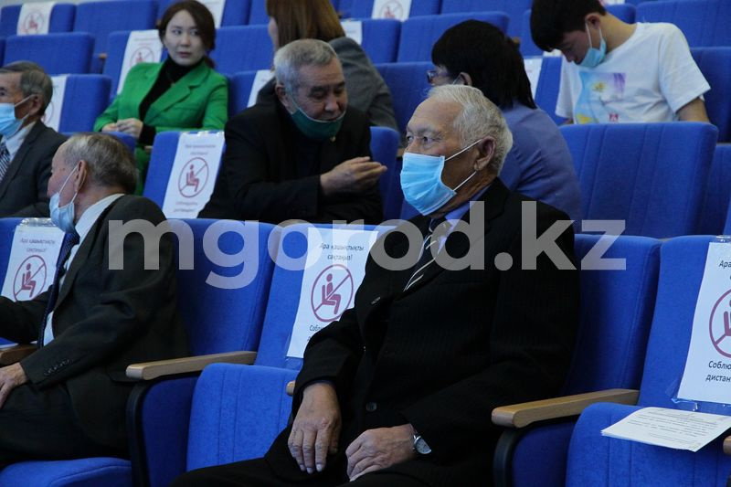 Ветеранов труда наградили в ЗКО Ветеранов, внесших вклад в становление независимого Казахстана, наградили в ЗКО