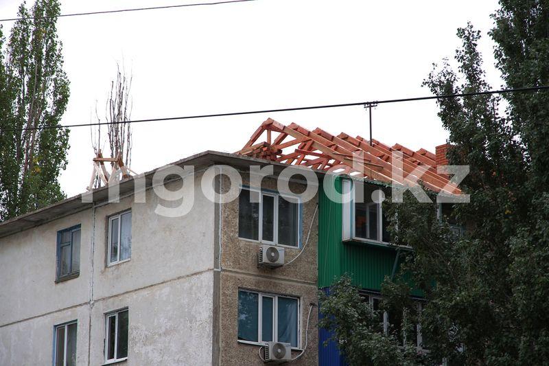 Без крыши рискуют провести осень и зиму жители многоэтажки в Уральске Без крыши рискуют провести осень и зиму жители многоэтажки в Уральске