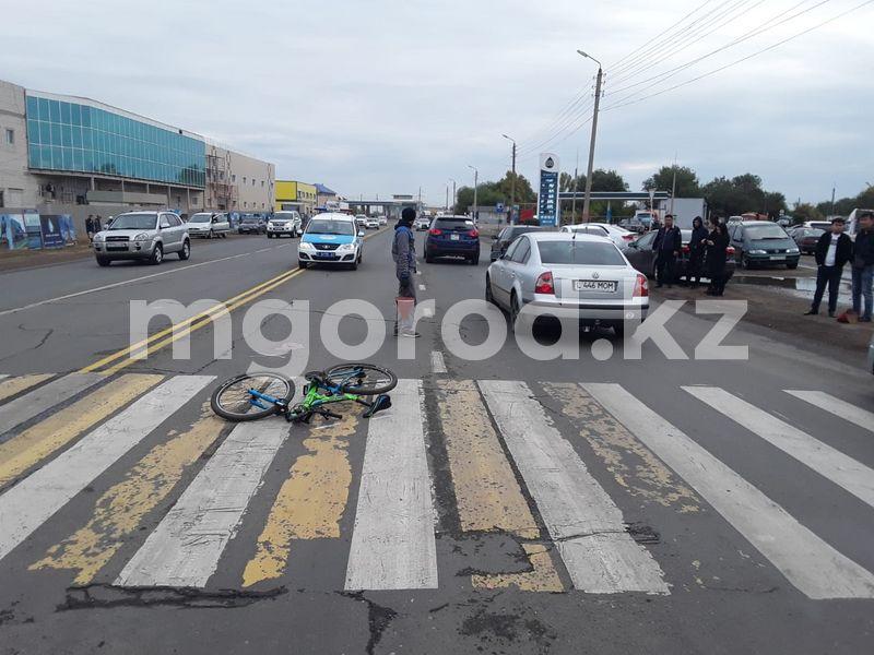 В Уральске водитель «Газели» сбил велосипедиста и скрылся с места ДТП