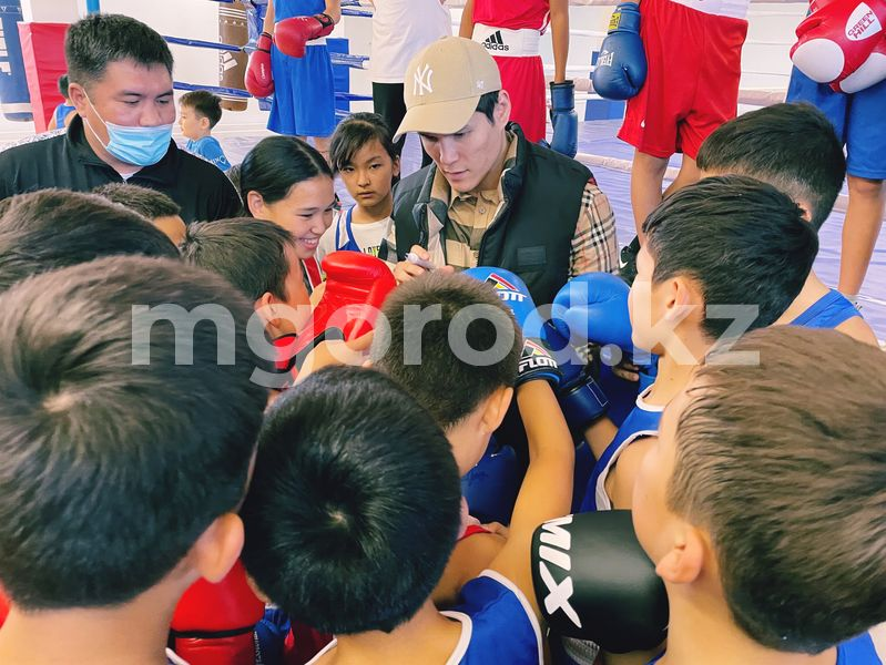 Данияр Елеусинов побывал на открытии спортивной школы в Уральске Данияр Елеусинов побывал на открытии спортивной школы в Уральске