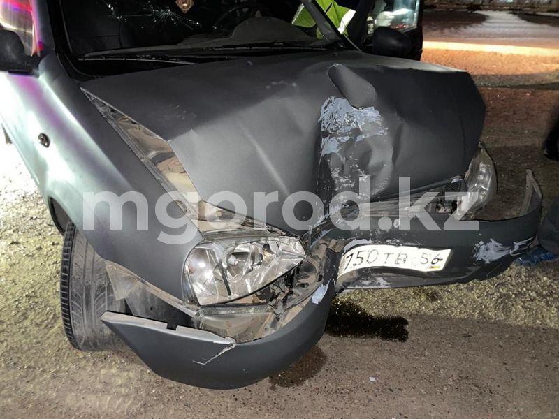 В Уральске военнослужащий-контрактник за рулем авто врезался в столб В Уральске военнослужащий-контрактник за рулем авто врезался в столб