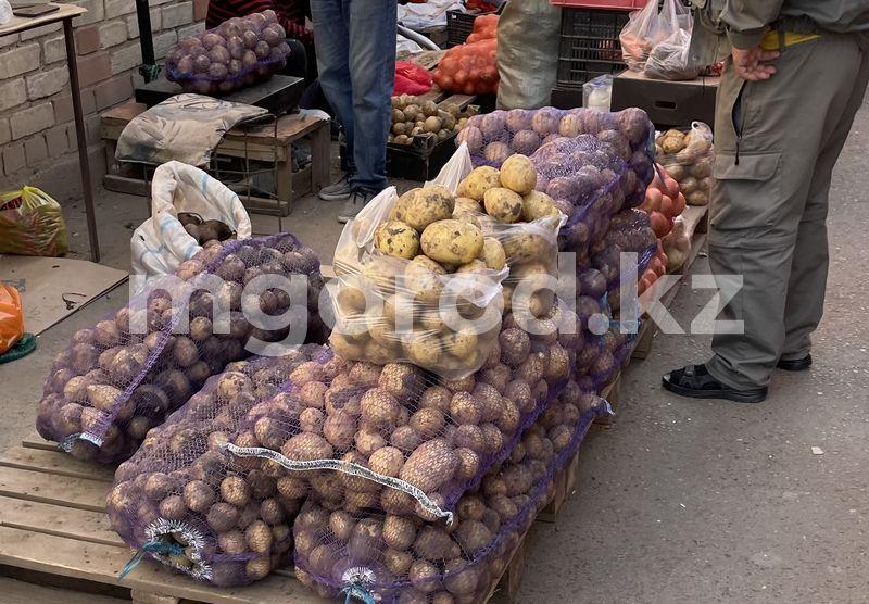 Картофель по 160 тенге, свекла по 200: почему в сезон сбора урожая цены на овощи в Уральске не снижаются В ЗКО на 35 тенге подорожал картофель и на 68 тенге морковь по сравнению с прошлым годом