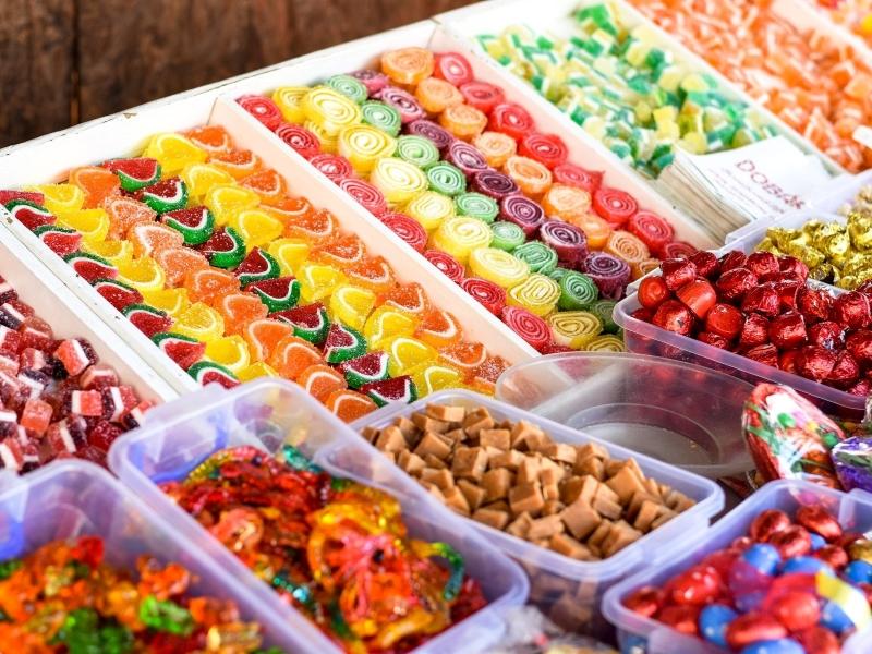 11 килограммов сладостей в среднем съедает каждый казахстанец за год 11 килограммов сладостей в среднем съедает каждый казахстанец за год