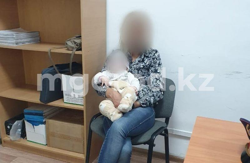 Три дня пьянствовала с шестимесячным ребёнком на руках жительница Атырау В Атырау мать пьянствовала с шестимесячным ребенком