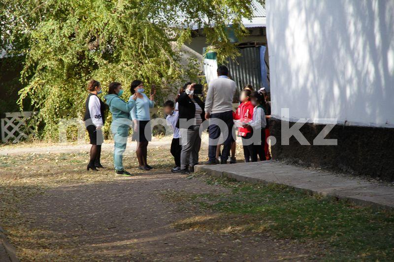 Нешуточный скандал разгорелся в школе ЗКО, где был избит семиклассник Нешуточный скандал разгорелся в школе ЗКО, где был избит семиклассник